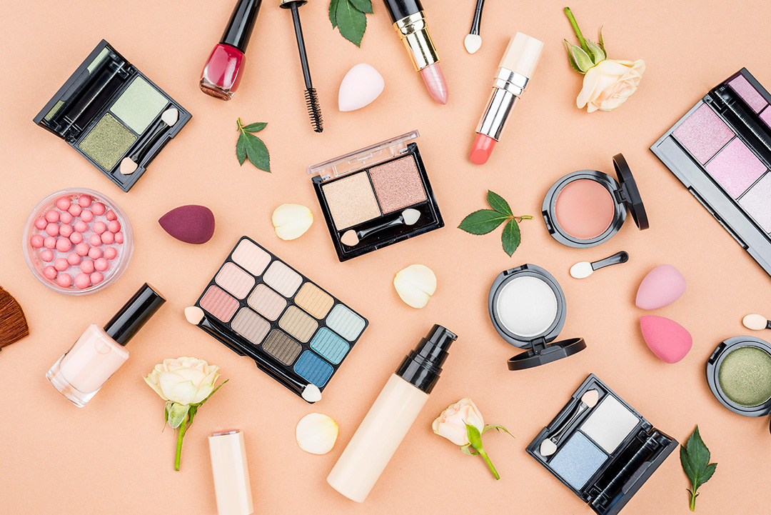 5 cosmeticos indispensables - KimBe
